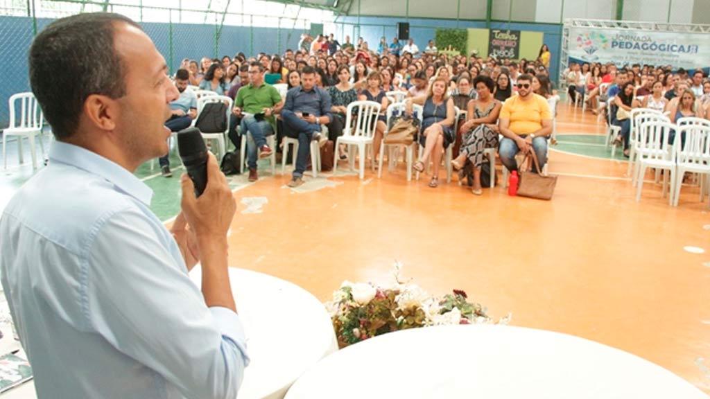 São Desidério: Prefeitura anuncia aumento salarial de 12,85% aos professores do município