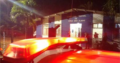 Homem é preso após ser flagrado mantendo companheira em cárcere privado na Bahia
