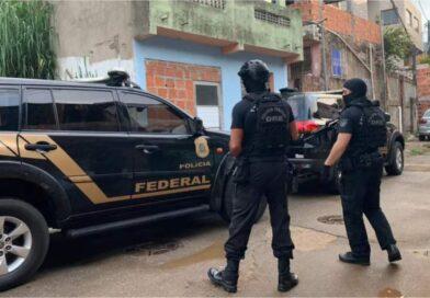 Operação da Polícia Federal contra tráfico internacional de drogas cumpre mandados de prisão e busca na Bahia